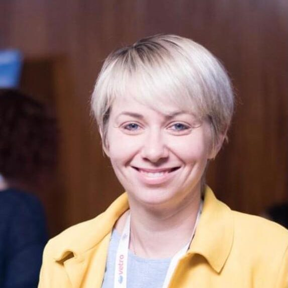 Dr. Anca Cristea